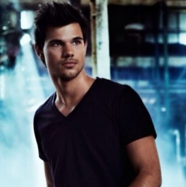 Taylor Lautner Tracers 2014