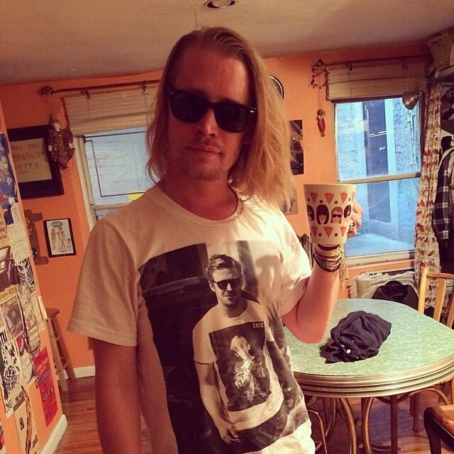 Macauley Culkin - t-shirt of Ryan Gosling