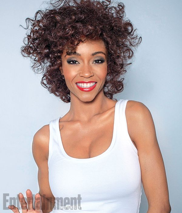 Yaya-Dacosta-as-Whitney-Houston